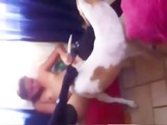 2 lesbianas putas se follan a un pastor aleman